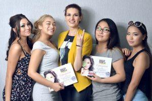 Фото отчет курс макияжа профессионал в группе 10 дней